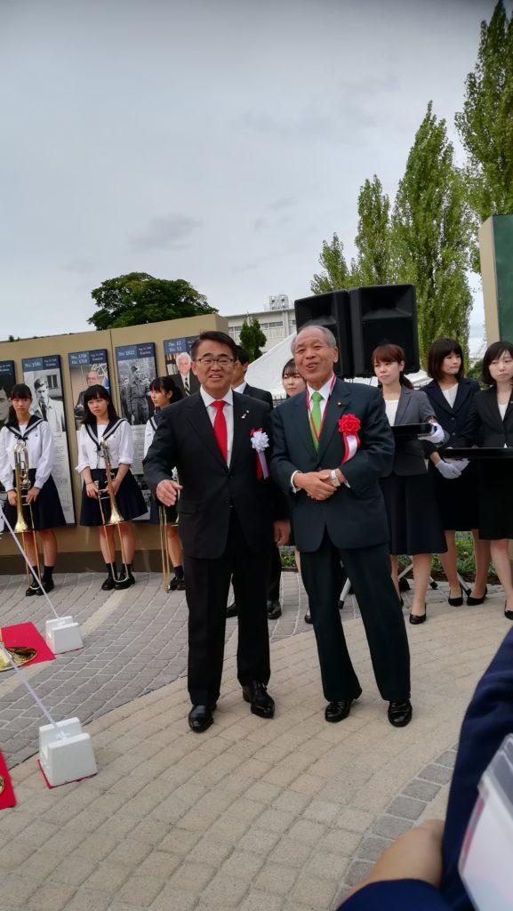 大村秀章愛知県知事と鈴木宗男元国務大臣