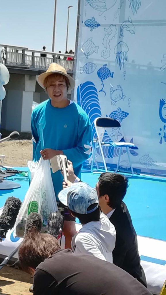 海ごみゼロウィークキックオフイベント ふじさわ観光大使のつるの剛士さん