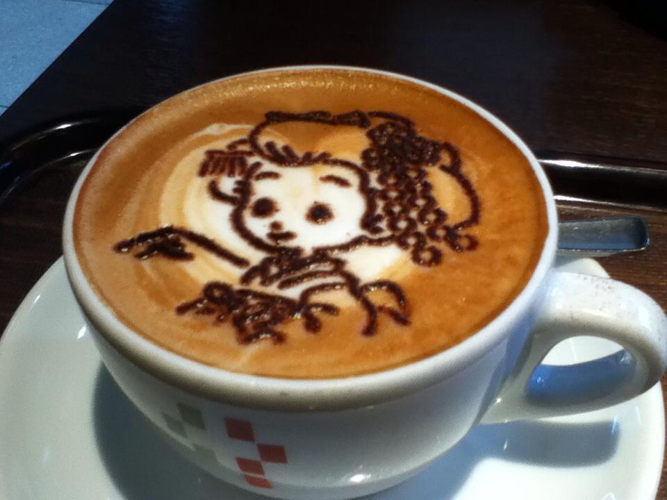 京都なう 舞妓さんのカフェラテ・アート