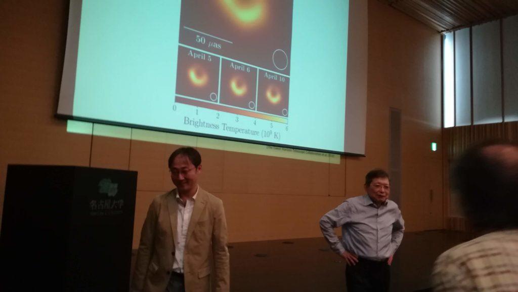 福井康雄 名古屋大学大学院名誉教授(右)